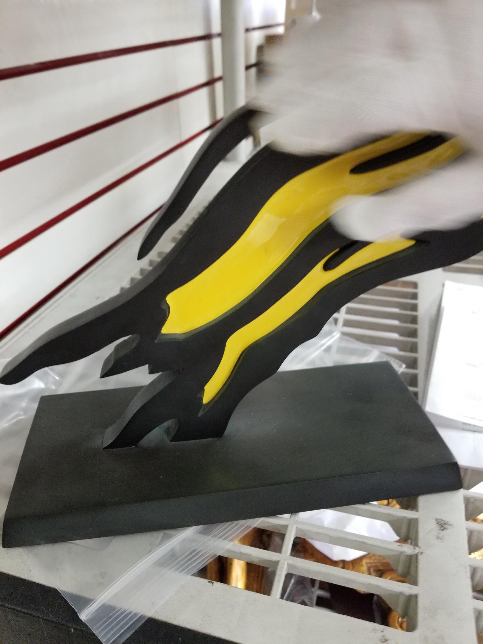 """<a href=""""/image/lichtenstein-gets-white-glove-treatment"""">Lichtenstein gets white glove treatment</a>"""