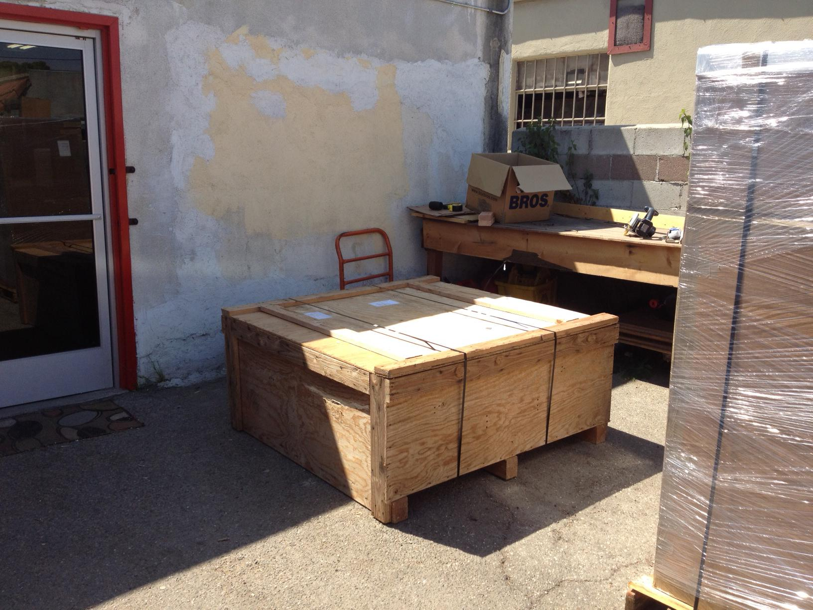 """<a href=""""/image/image-galleries/crating-shipping-marble-coffee-table-judge-alaska/and-waitingfor-truck"""">and waiting(for the truck)</a>"""