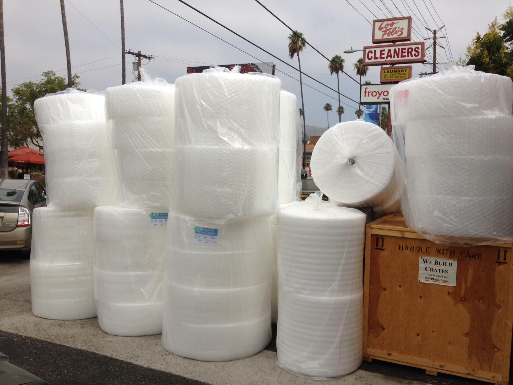 "<a href=""/image/associates/resource/bubble-wrap-arrives"">Bubble wrap arrives</a>"